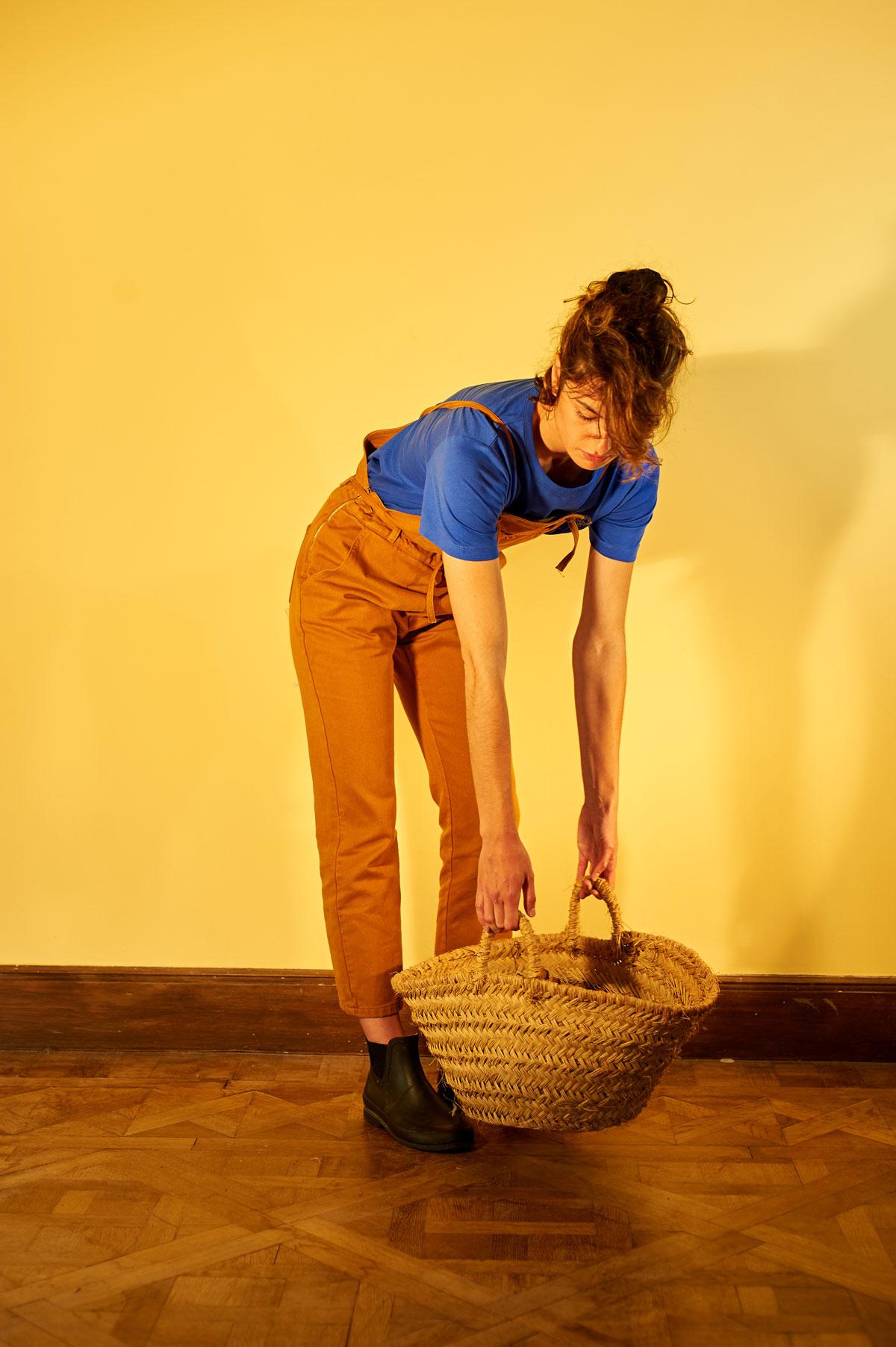 Graine - SS20 - Pantalons et salopettes - Modèle Justine Mothe - Photo Melvin Israel